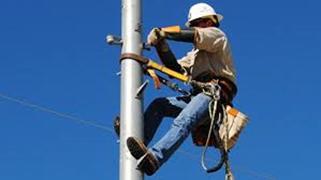 Utility lineman use protective grounding equipment from Mueller Electric; protective grounding equipment; utility grounding; high-voltage grounding; grounding power lines; de-energized lines; electrical